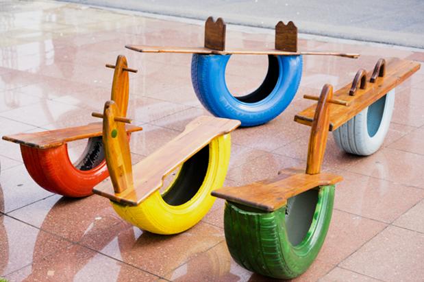 Brinquedos com pneu colorido